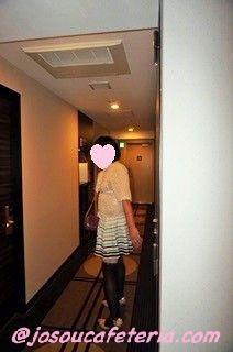 完全女装で初めてのちょっとだけお散歩〜宮本みゆきちゃん編